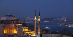 Ayasofya Camii ve Boğaz Manzarası Dini & İnanç Kanvas Tablo
