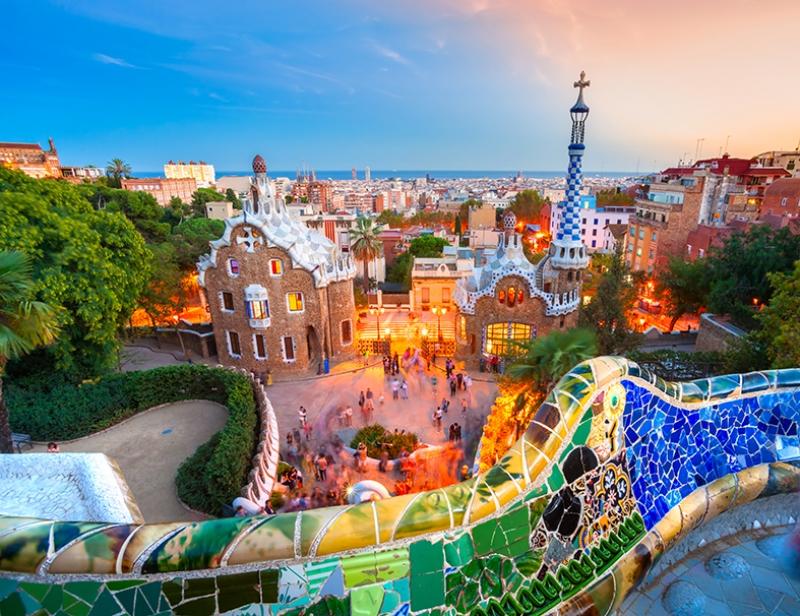 Barcelona Gaudi 2 Dünyaca Ünlü Şehirler Kanvas Tablo