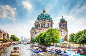 Berlin Dünyaca Ünlü Şehirler Kanvas Tablo