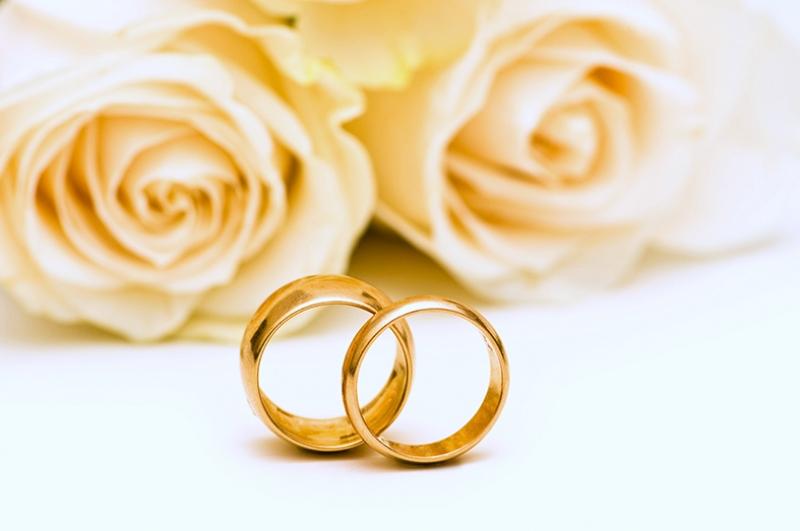 Beyaz Güller ve Alyanslar Aşk & Sevgi Kanvas Tablo