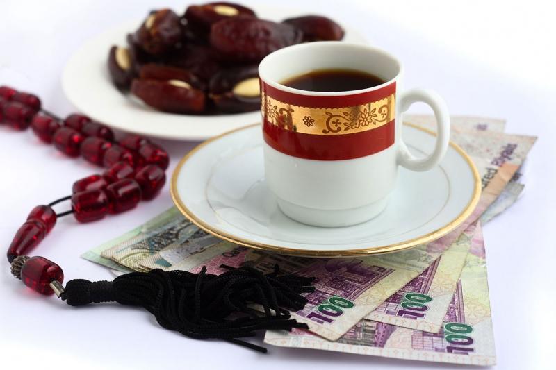 Bir Fincan Arap Kahvesi Ve Hurma 2 Lezzetler Kanvas Tablo