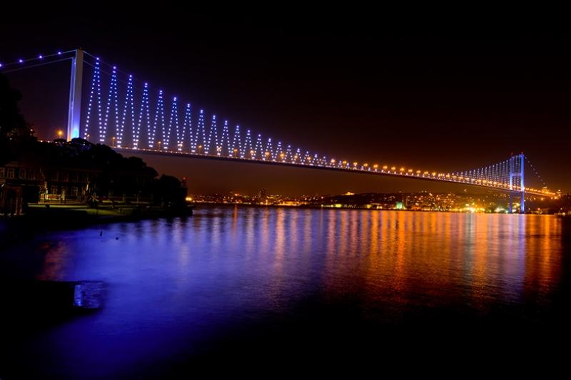 Boğaziçi Köprüsü Rengarenk Dünyaca Ünlü Şehirler Kanvas Tablo