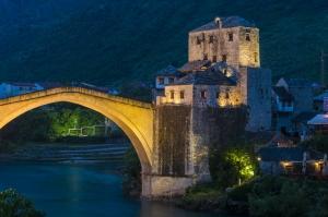 Bosna 8 Dünyaca Ünlü Şehirler Kanvas Tablo