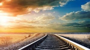 Bulutlar ve Tren Yolu Doğa Manzaraları Kanvas Tablo