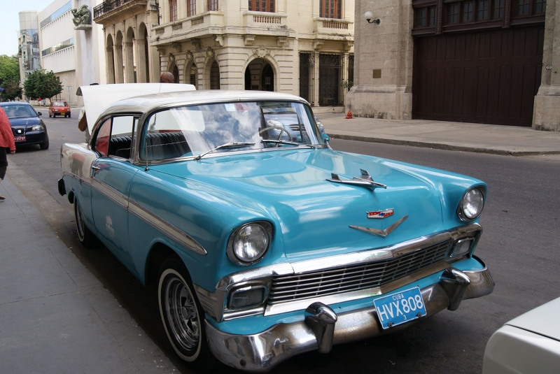 Cadillac Mavi Klasik Otomobiller 2 Siyah Eski Amerikan Klasik Arabalar Kanvas Tablo