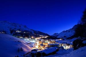 Cervinia İtalya, Dağ Kasabası, Doğa Akşam Manzarası Şehir Manzaraları Kanvas Tablo