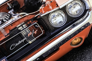 Challenger Kırmızı Klasik Otomobil Kanvas Tablo