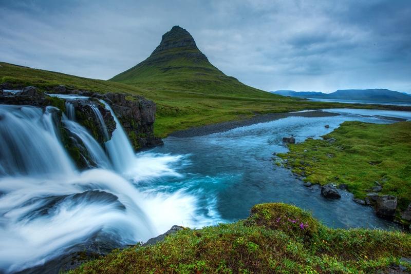 Dağ ve Şelale Doğa Manzaraları Kanvas Tablo