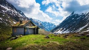 Dağda Ahşap Kulübe Doğa Manzaraları Kanvas Tablo
