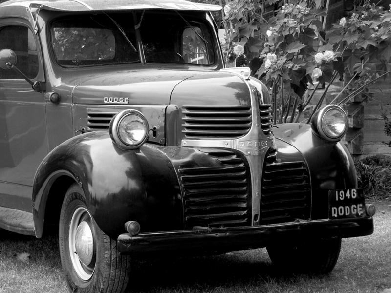 Dodge Klasik Kamyon Siyah Beyaz Fotoğraf Kanvas Tablo