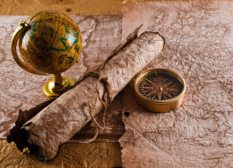 Eski Dünya Haritası, Pusula, Tahta Küre ve İp Kanvas Tablo