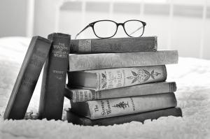 Eski Kitaplar Siyah Beyaz Fotoğraf Kanvas Tablo