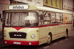 Eski Otobüs Araçlar Kanvas Tablo