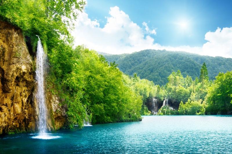 Eşsiz Doğa Manzarası Göle Dökülen Şelale Doğa Manzaraları Kanvas Tablo