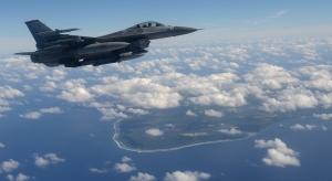 F16 Uçağı 3 Askeri Kanvas Tablo