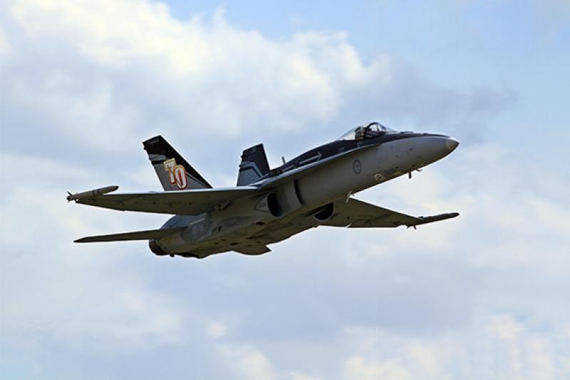 F18 Jet Savaş Uçak Askeri 2 Kanvas Tablo