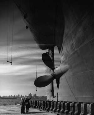 Gemi ve Pervane Siyah Beyaz Kanvas Tablo