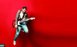 Gitarist ve Gitar Kırmızı Yağlı Boya Sanat Kanvas Tablo