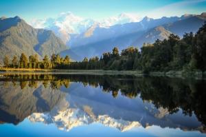Göl Dağ Orman Berrak Su Güzel Doğa Manzaraları Kanvas Tablo