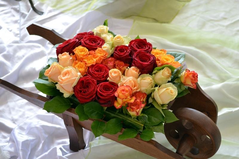 Gül Buketi, Rengarenk Güller, El Arabasında Floral Kanvas Tabblo