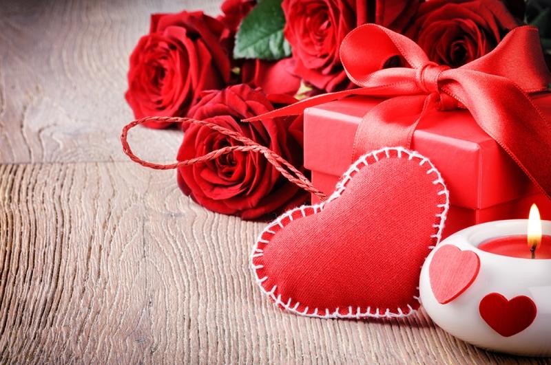 Güller ve Kalp Aşk & Sevgi Kanvas Tablo