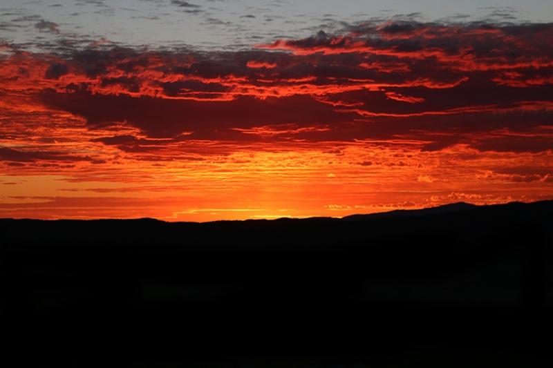 Gün Batımı Kızıl Bulut Siyah Kanvas Tablo