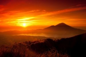 Gün Batımı Manzarası Kızıl Dağ Kanvas Tablo