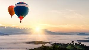 Gün Batımında Balon Yolculuğu Doğa Manzaraları Kanvas Tablo