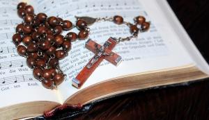 Haç Kolyesi Dini & İnanç Kanvas Tablo