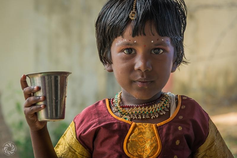 Hindu Çocuk Fotoğraf Kanvas Tablo