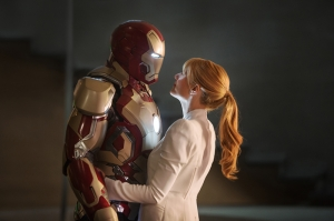 Iron Man ve Pepper Süper Kahramanlar Kanvas Tablo