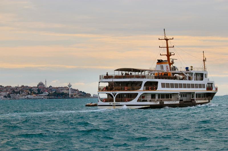 İstanbul Boğazı ve Vapur Dünyaca Ünlü Şehirler Kanvas Tablo