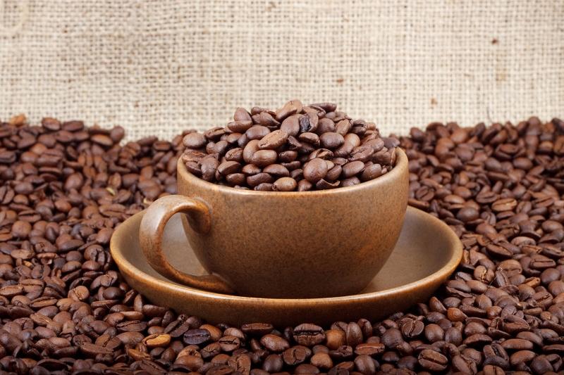 Kahve Cekirdekleri Ve Bir Fincan Kahve 2 Lezzetler Kanvas Tablo