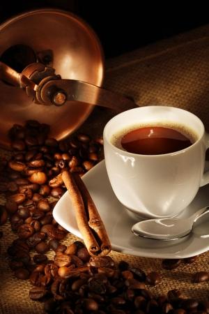 Kahve Cekirdekleri Ve Bir Fincan Kahve 6 Lezzetler Kanvas Tablo