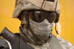 Kamuflajlı Asker Kanvas Tablo