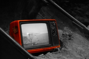 Kırmızı Retro Televizyon Siyah Beyaz Fotoğraf Kanvas Tablo