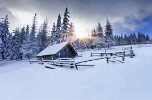 Kış Manzarası Karla Kaplı Dağlar Dağ Evi Doğa Manzaraları Kanvas Tablo
