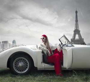 Klasik Otomobil Eyfel Kulesi ve Guzel Kadın Kanvas Tablo