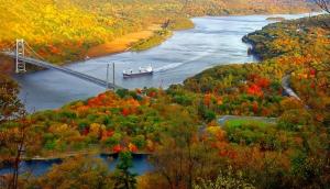 Köprü ve Gemi Doğa Manzaraları Kanvas Tablo