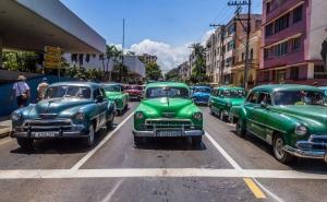 Kuba Klasik Otomobiller 2 Amerikan Klasik Arabalar Eski Araclar Kanvas Tablo