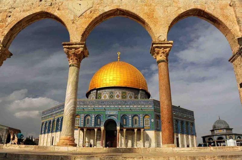 Kubbestüs Sahra ve Muallak Taşı-3 Dini İnanç Kanvas Tablo
