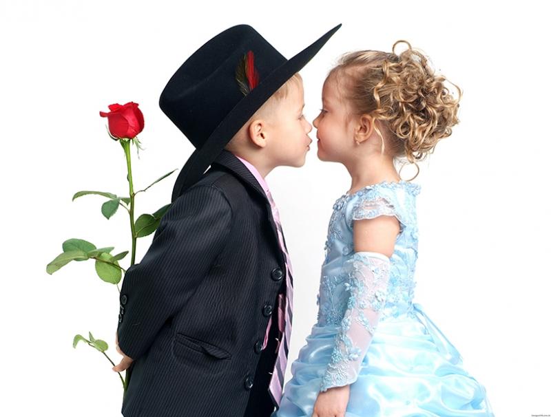 Küçük Sevimli Aşıklar Aşk & Sevgi Kanvas Tablo