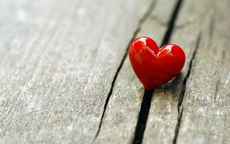 Küçük Sevimli Kırmızı Kalp Aşk & Sevgi Kanvas Tablo