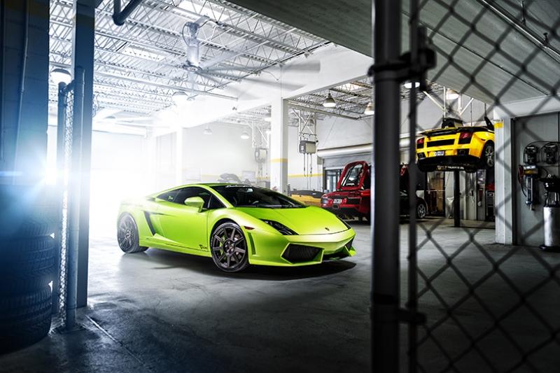 Lamborghini Garaj Araçlar Kanvas Tablo