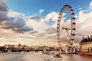 Londra Köprü ve Dönmedolap Manzara Dünyaca Ünlü Şehirler Kanvas Tablo