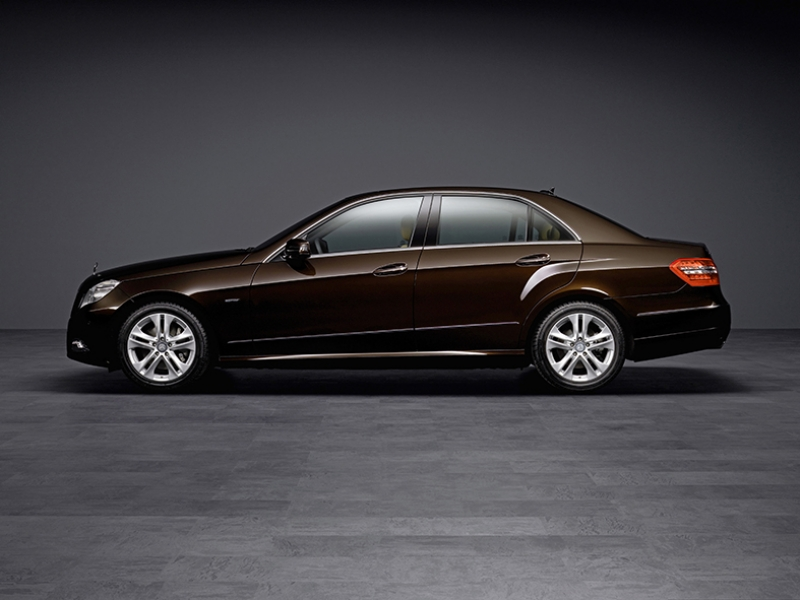 Mercedes Kahverengi Otomobil Kanvas Tablo
