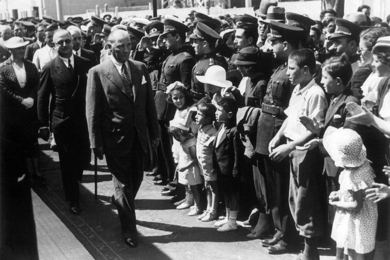 Mustafa Kemal Atatürk-16 Kanvas Tablo