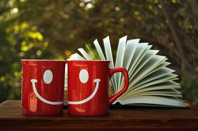 Mutlu Kırmızı Kupalar Aşk & Sevgi Kanvas Tablo