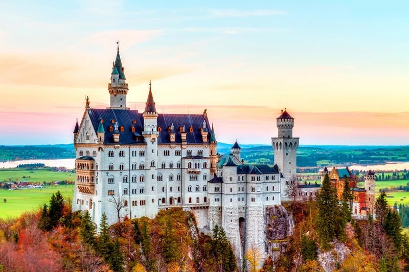 Neuschwanstein Kalesi Almanya Şehir Manzarası Dünyaca Ünlü Şehirler Kanvas Tablo
