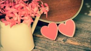 Pembe Kalp ve Çiçekler Aşk & Sevgi Kanvas Tablo